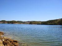 Praia Fluvial de Alverangel na Albufeira de Castelo Bode