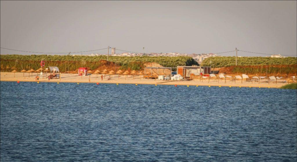Praia dos Cinco Reis